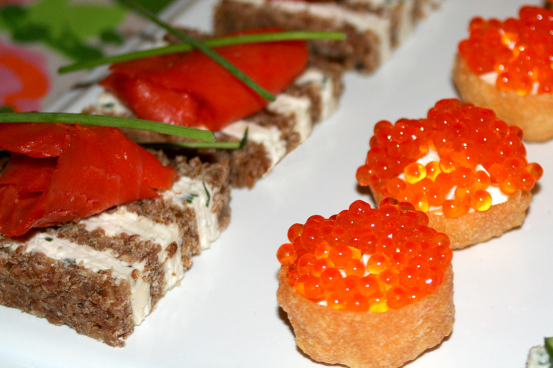 Mad men party menu roquefort canapes bakin 39 bit for Smoked salmon canape