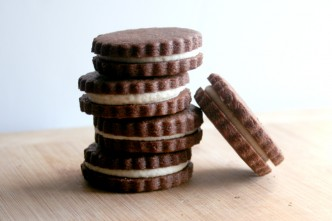 chocolate sandwich cookies with white chocolate filling