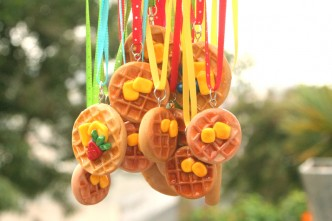 DIY Leslie Knope Waffle Necklace