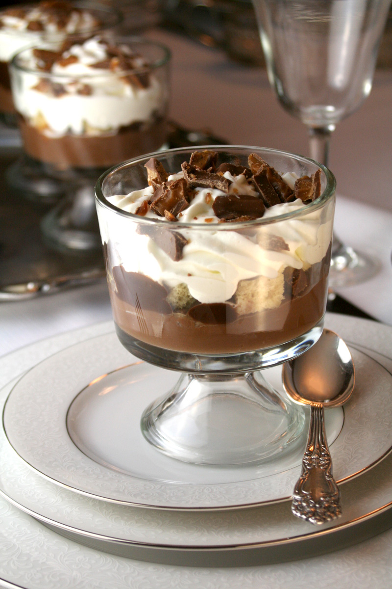 Chocolate Toffee Mini Trifles – Bakin' Bit