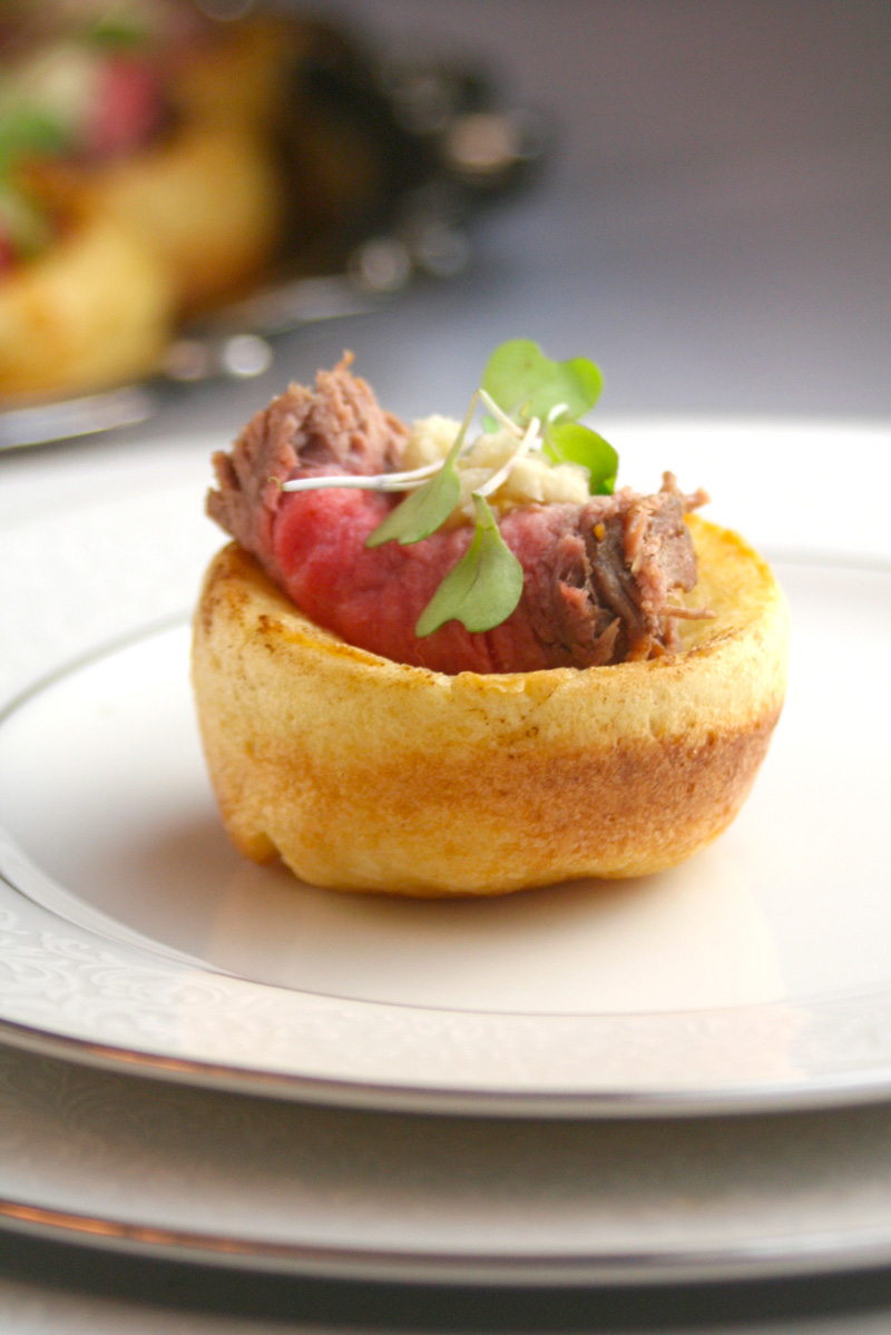 Mini Yorkshire Puddings with Roast Beef and Horseradish